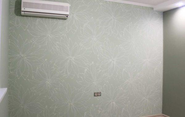 Орнаментальная роспись жилой комнаты