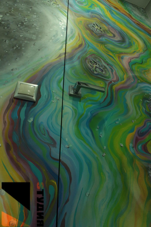 Роспись стен Лапы на луже
