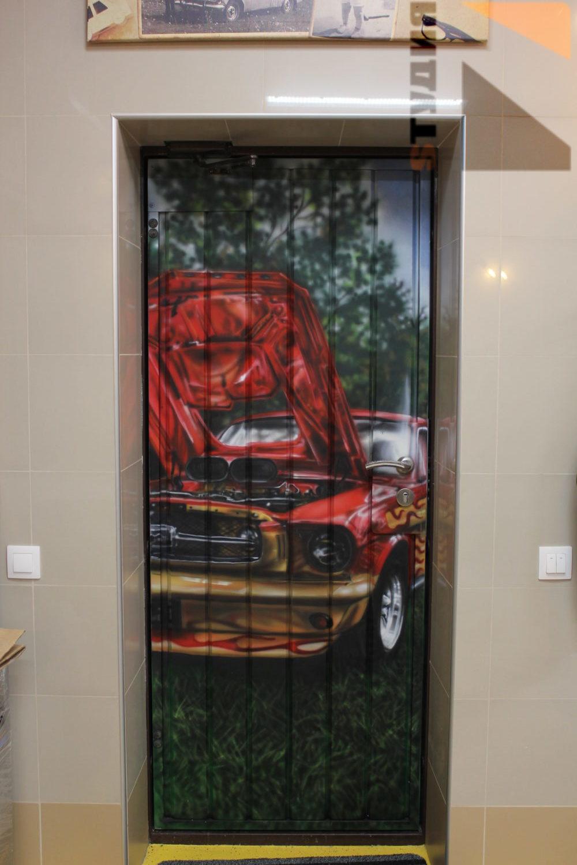 Роспись стен Роспись в гараже частного дома