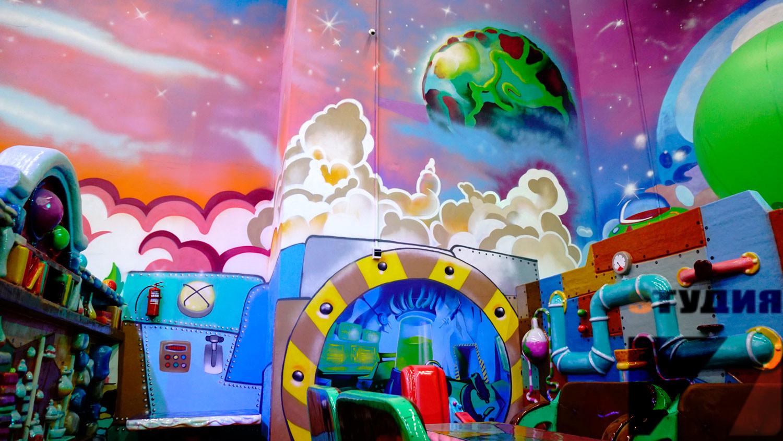 Роспись стен Семейный парк развлечений «Космостар» г. Оренбург