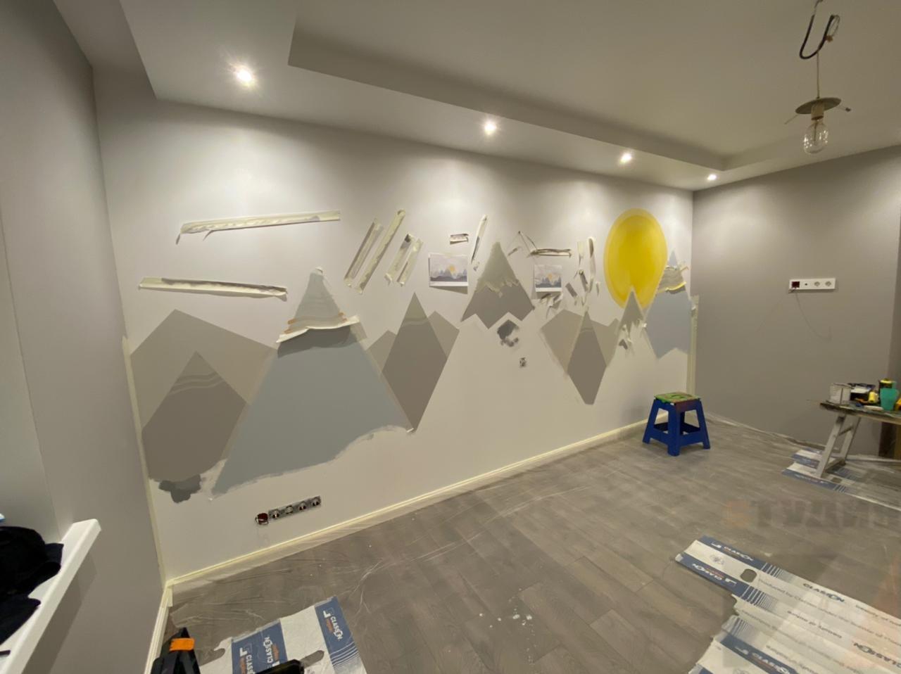 Роспись стен Горы в детской комнате